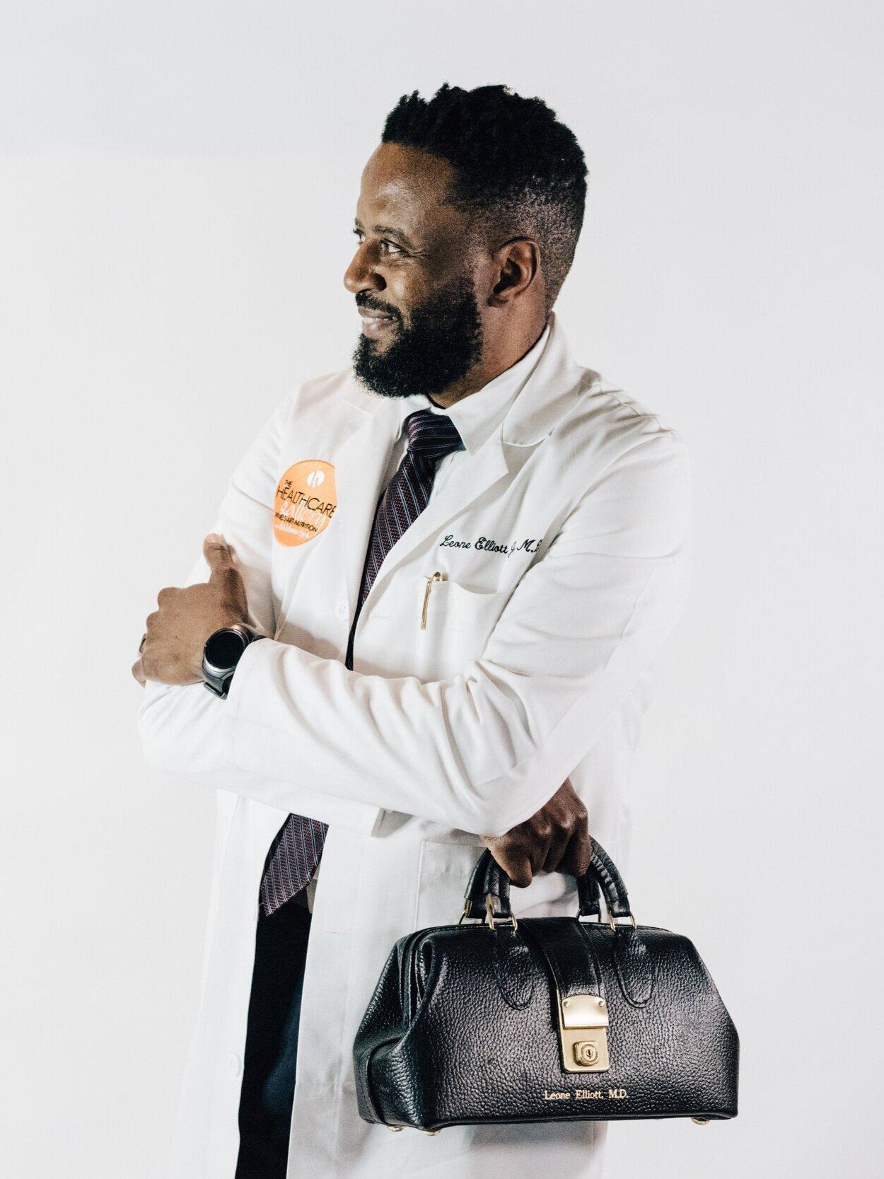 Dr. Leone Elliott