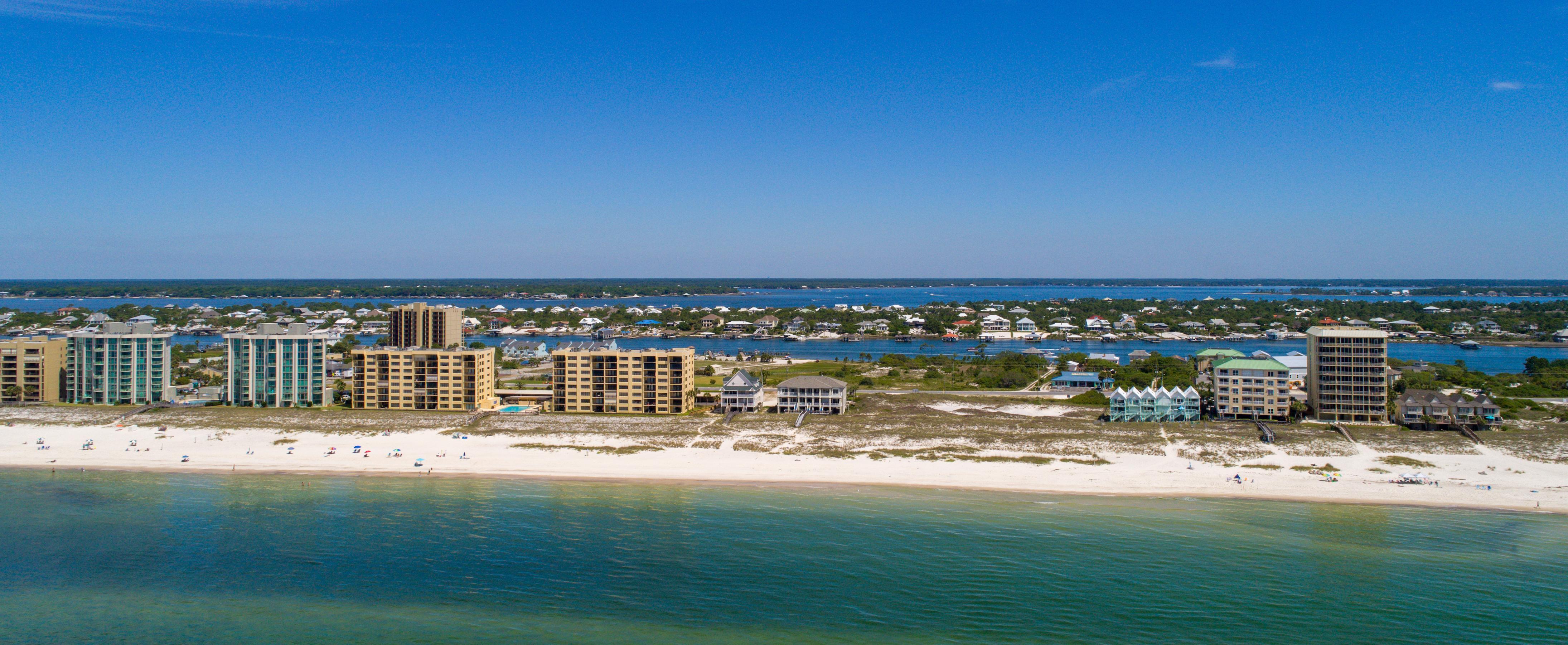 Panoramic view of Pensacola, Florida and the beach.