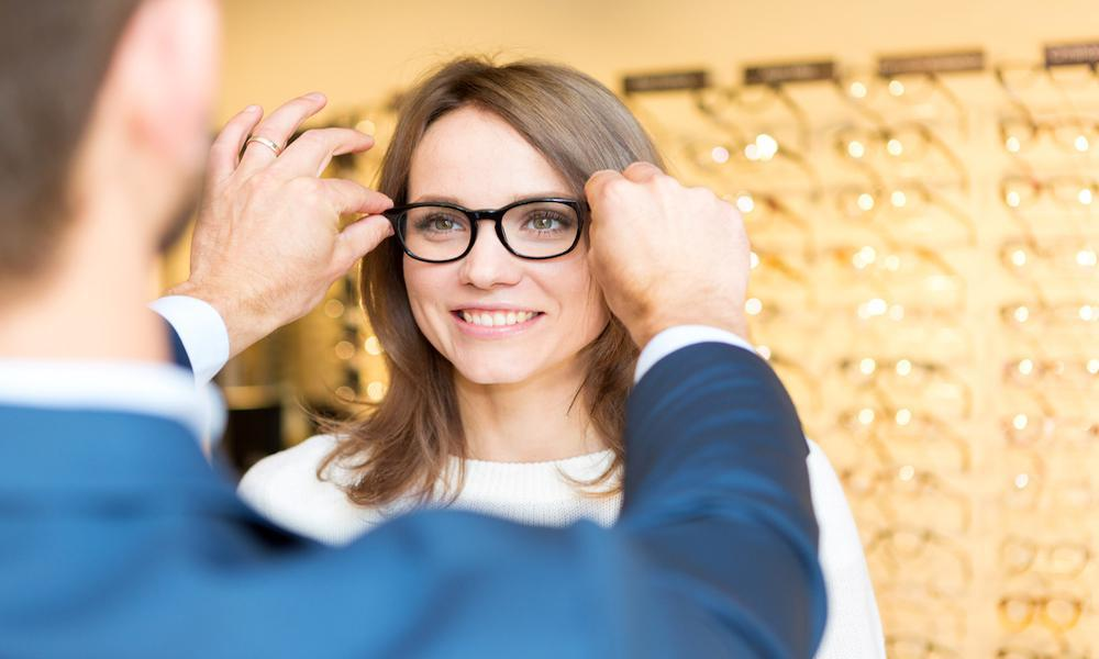 7bc2cc0e565 Five Tips to Help You Choose the Right Frames for Your Face  Paul C ...