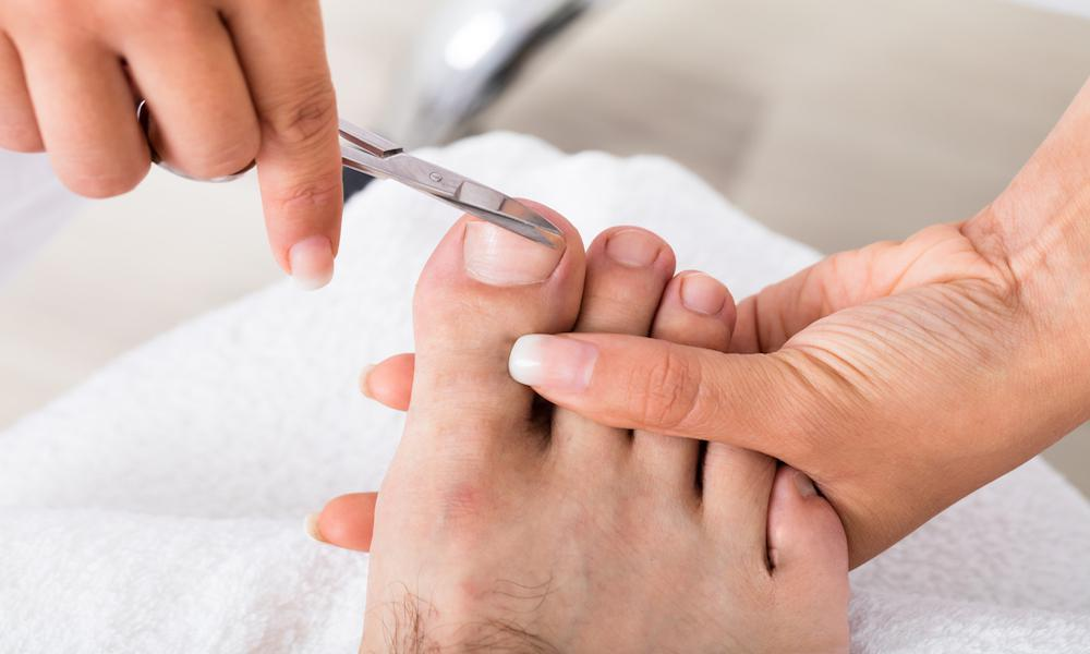 When Should You See a Specialist for an Ingrown Toenail?: Achilles ...