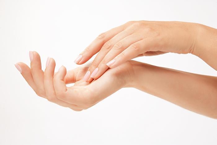 Elastic plump thumb