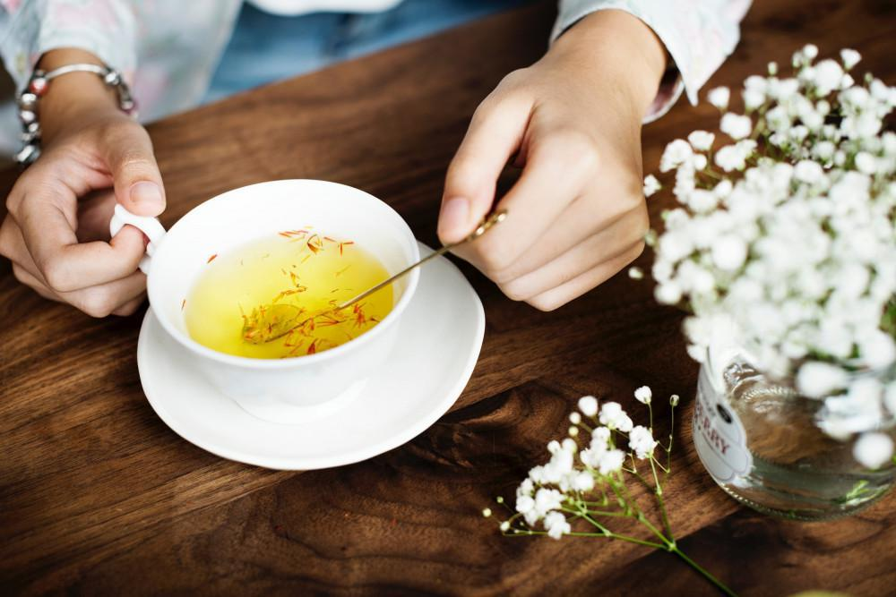 Herbal tea to decrease bloating