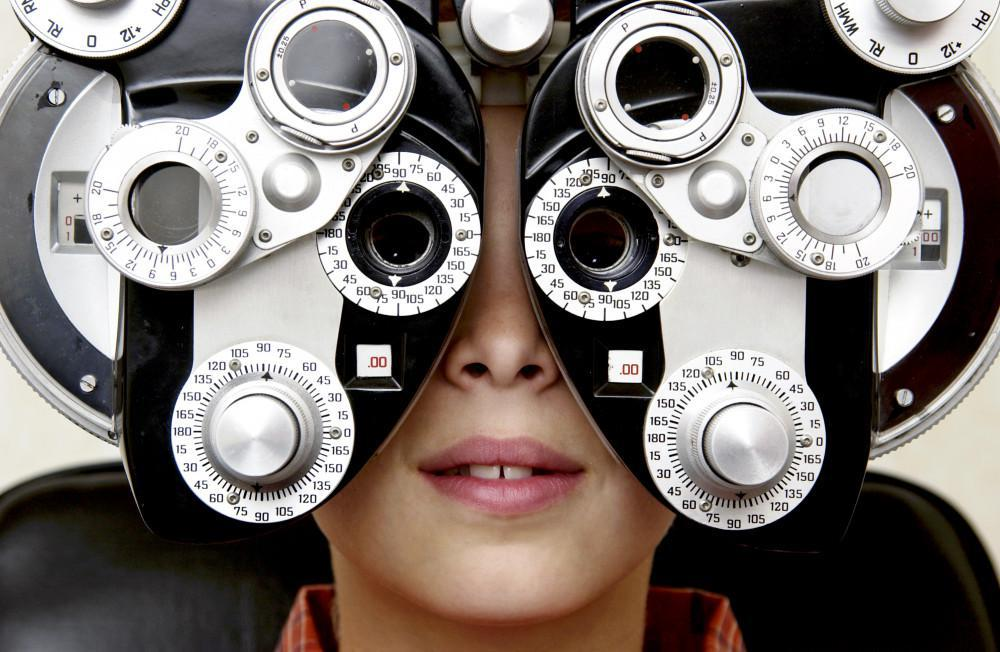 eye exam, 20/20, clarity vision care, Dr. Hieu Huynh