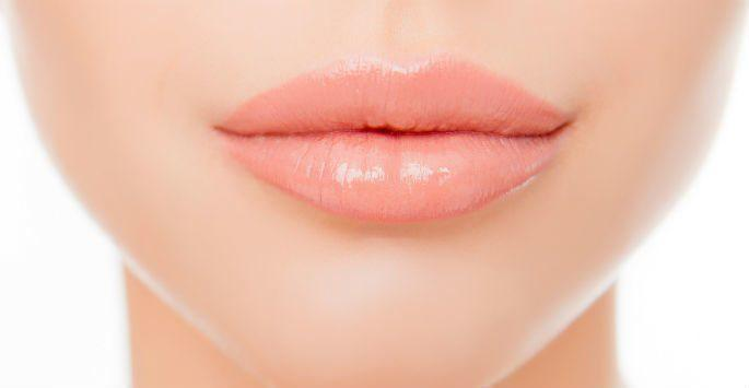 woman's lips and chin