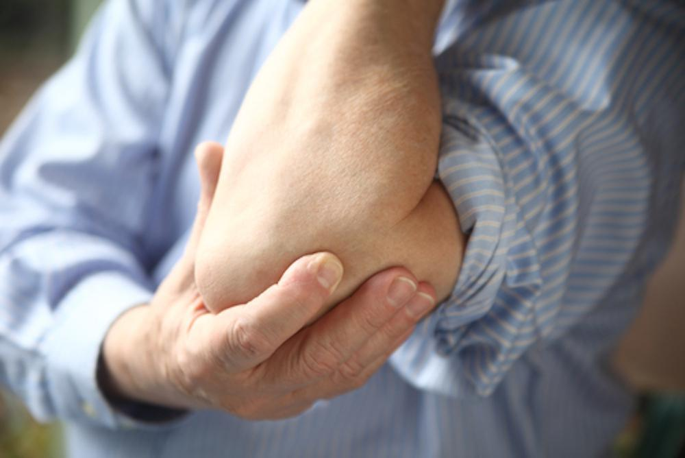 When does elbow pain require arthrocopic surgery?