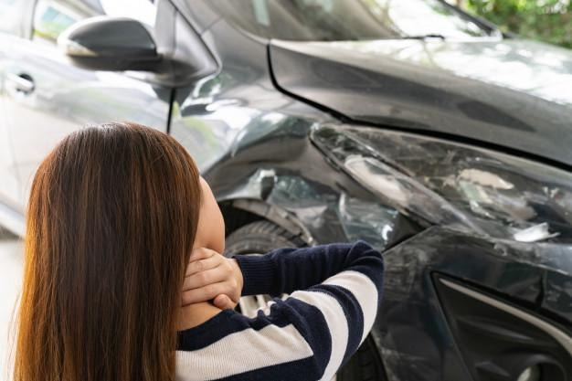 Whiplash treatments, What's whiplash, What happens to your body in a fender bender, Why You Shouldn't Wait to Seek Treatment