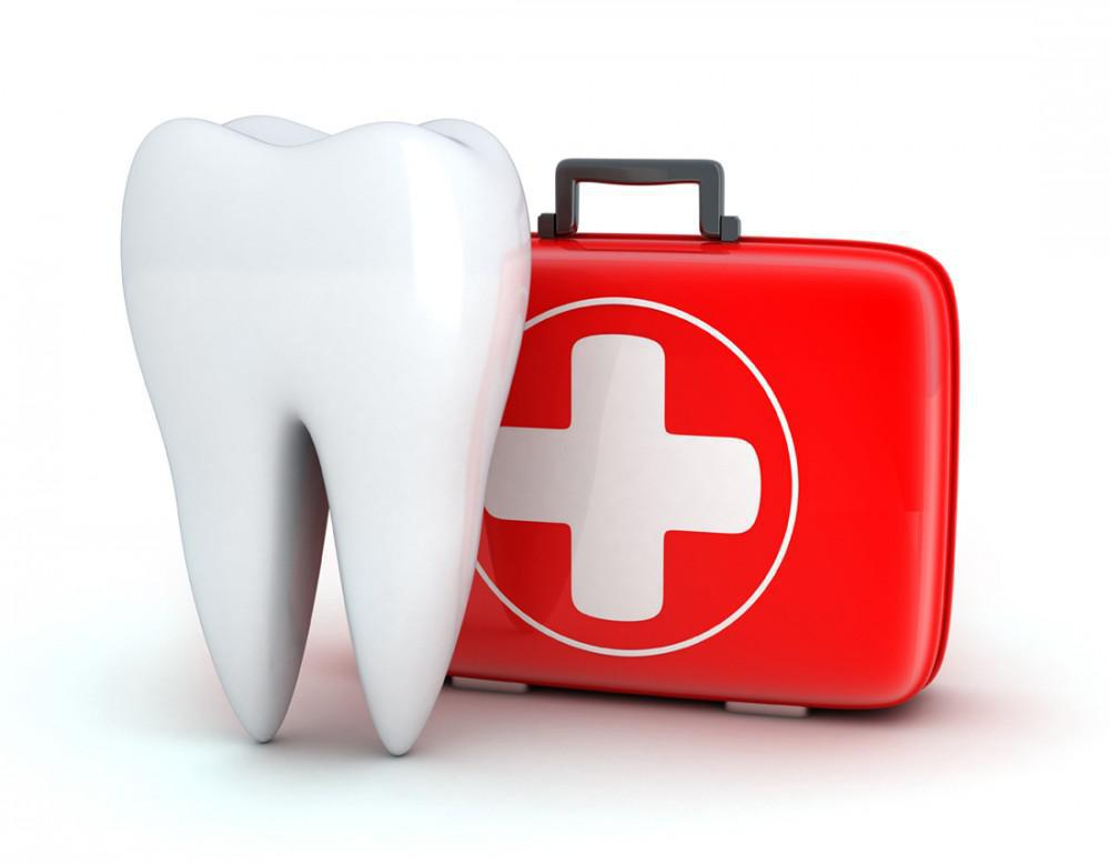 Tips on how to handle sports related dental emergencies.