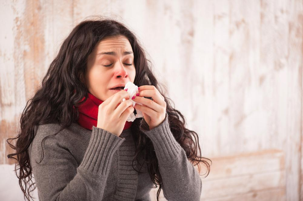 It's sometimes hard to tell the difference between a common cold and sinusitis. But even though the two ailments have some sy