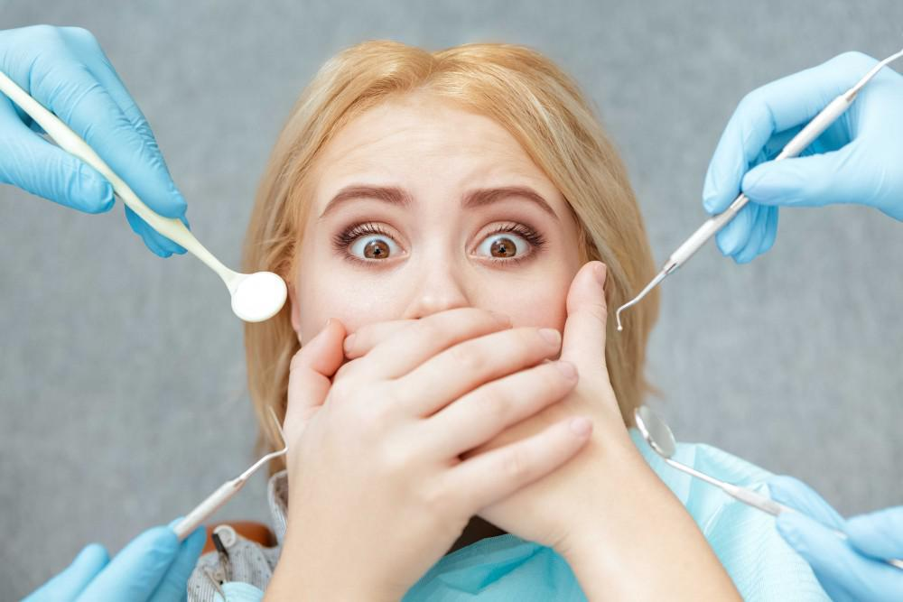 Fear Of Holes Might Explain Why Missing Teeth Elicit Strong