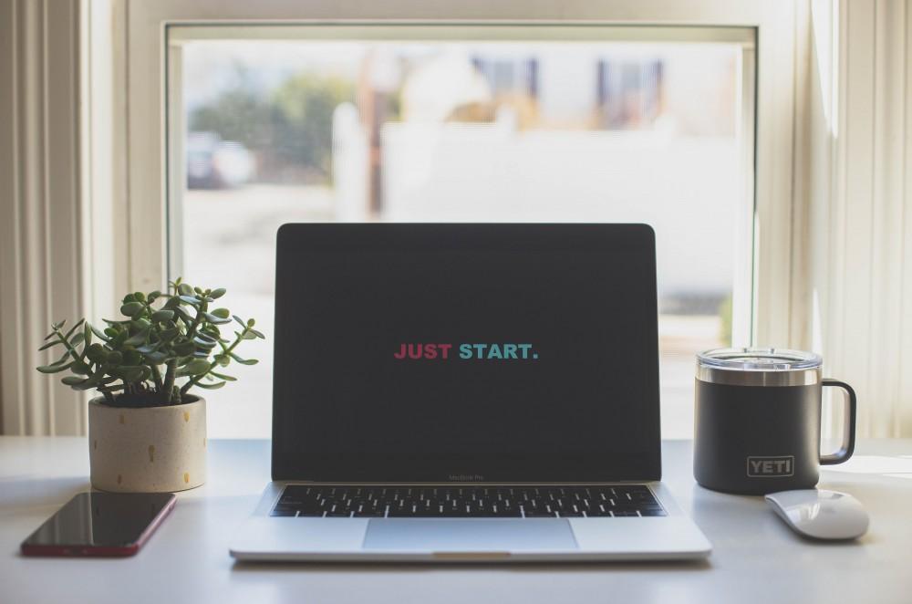Computer Laptop display Just Start