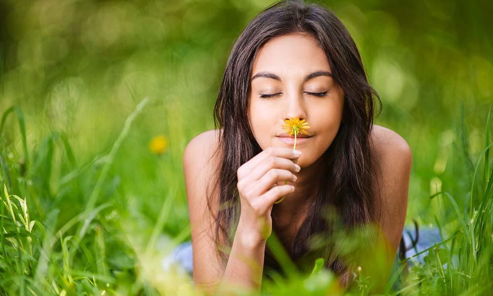sinus rinse flush allergy season