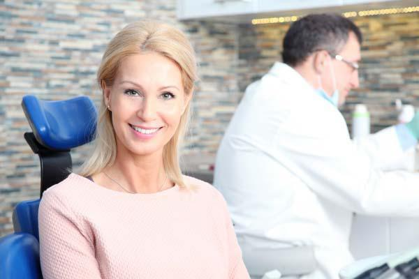 dental implants in Carthay