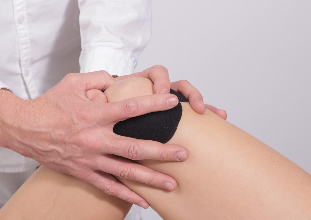 Prolotherapy offers a solution for knee pain.