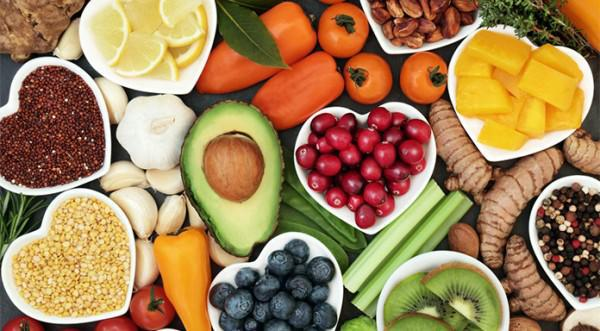 Table of nutritious fruits and veggies