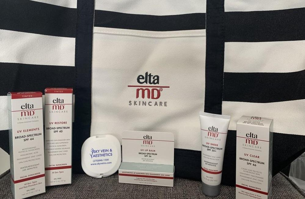 This bag is a gift with purchase of 3 or more eltaMD products (while supplies last).
