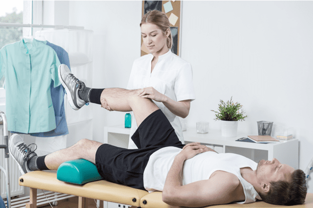 5 Signs You Should Consider Seeing A Sports Injury Specialist