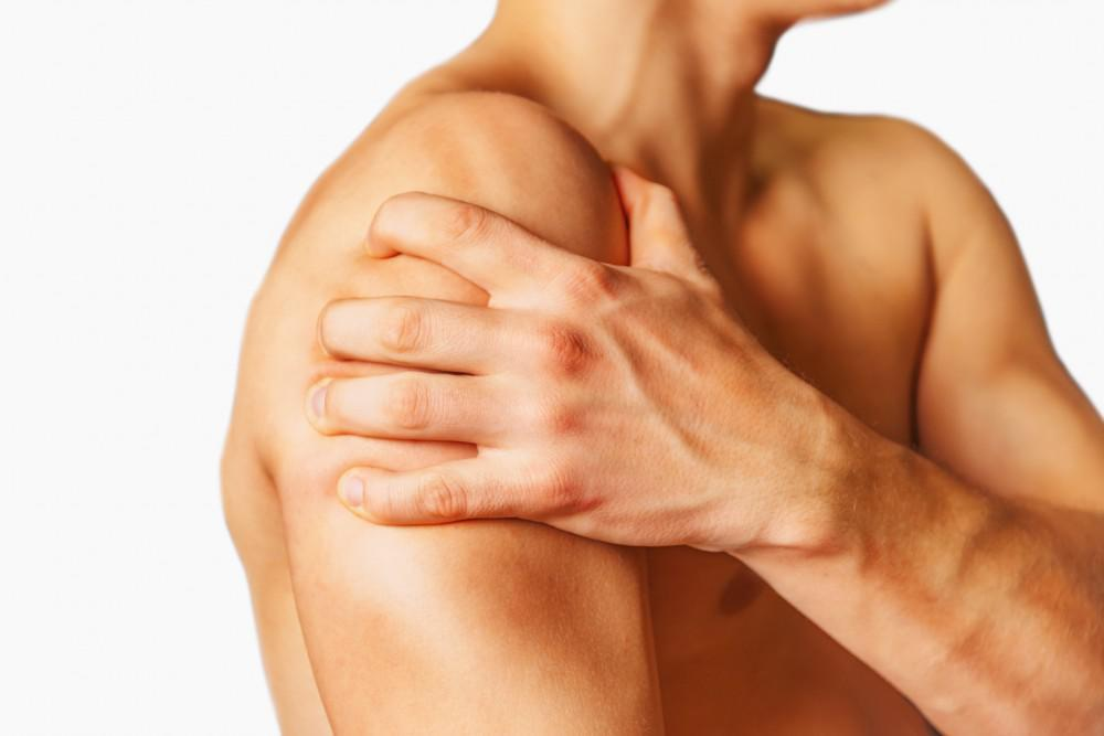 When to See a Specialist About Post-Accident Shoulder Pain