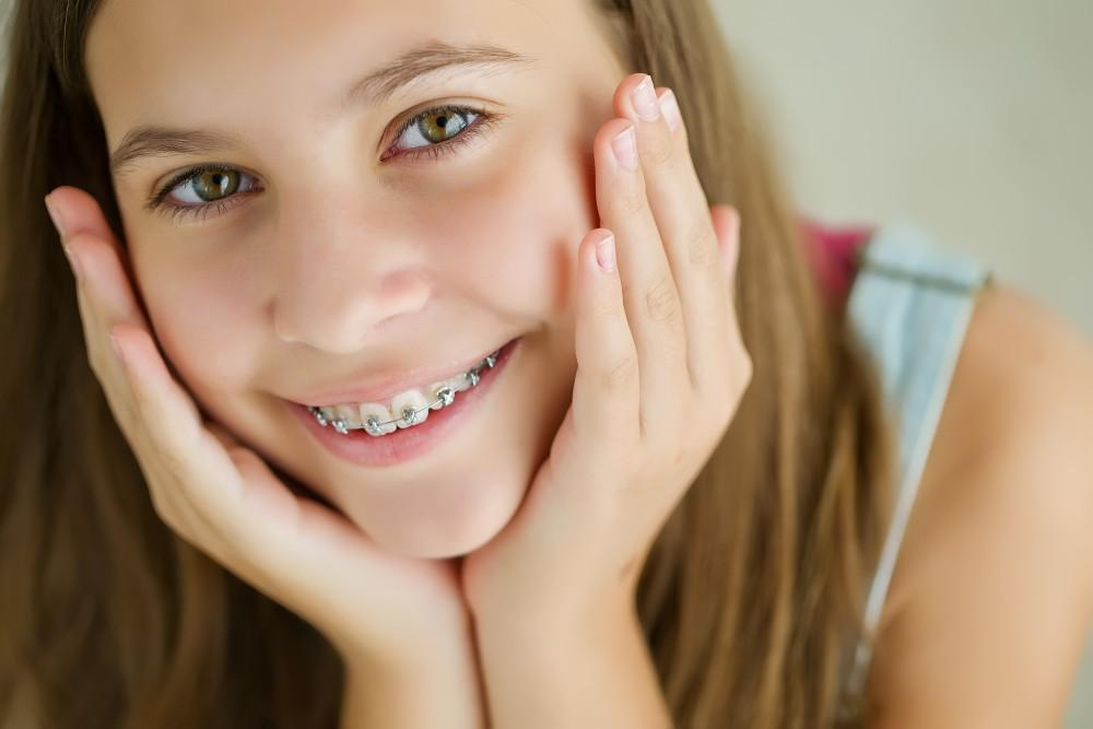 Invisalign® or Traditional Braces: Which Is Best for Your Teen?