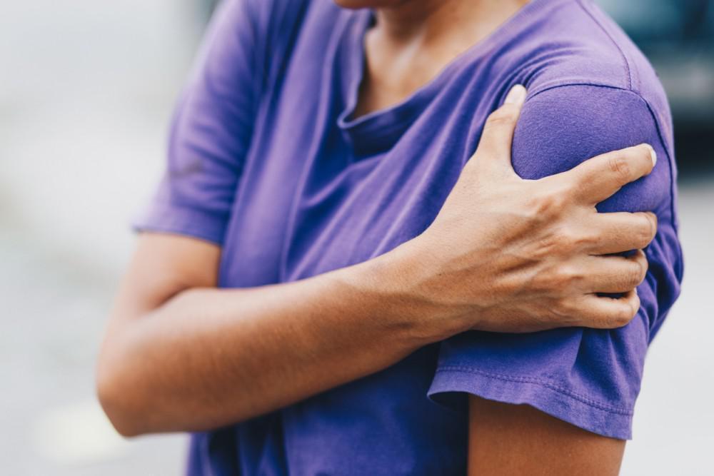 orthopedic surgeon atlanta and woodstock georgia shoulder pain
